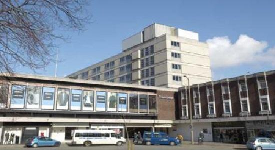 Travelodge Worcester: Exterior 1