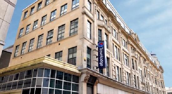 ‪Travelodge Cardiff Central Queen Street‬