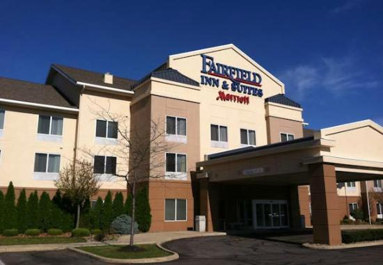 Fairfield Inn &amp; Suites Cleveland Avon: Hotel Exterior