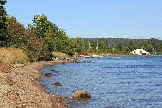 Silver Dart Lodge: Lake Bras d'or