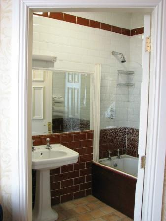 The Old Ground : Bathroom