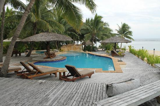 Tavarua Island Resort: pool area