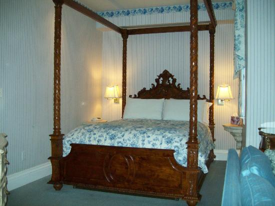 Christopher&#39;s Inn: Very comfortable bed