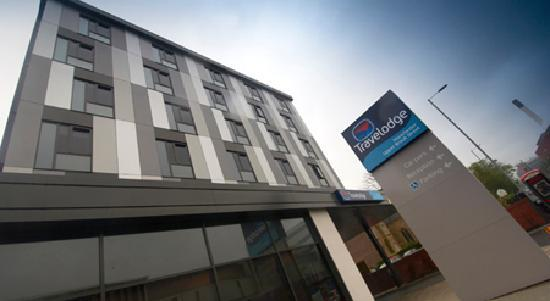 Travelodge Manchester Upper Brook Street: Exterior