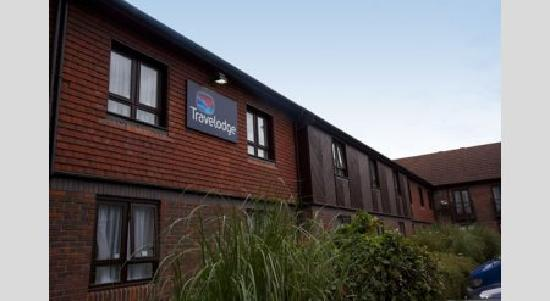Travelodge Frimley: Exterior