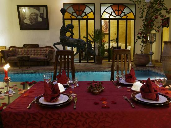 Riad El Zohar: Dinner in Evening