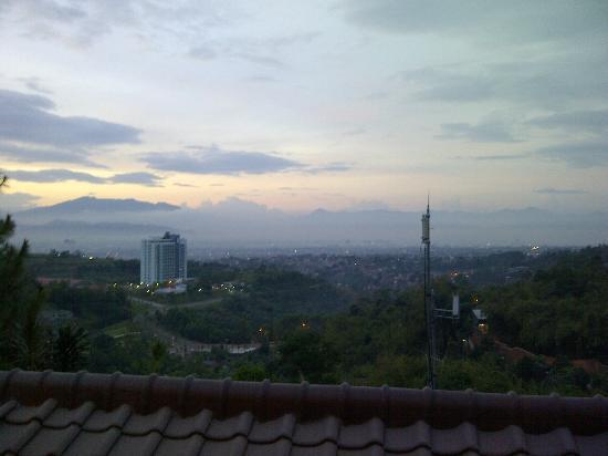 The Valley Resort Hotel: Balcony View