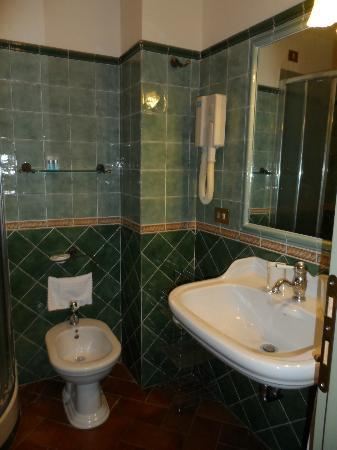Domus Livia Suites : bathroom