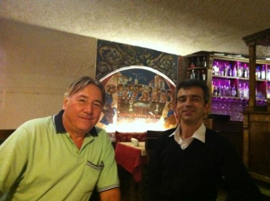 Ayvali, Turkey: Osman a great waiter always teaching turkish to us