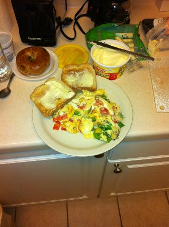 Extended Stay America - Madison - Old Sauk Rd.: Breakfast you can Make