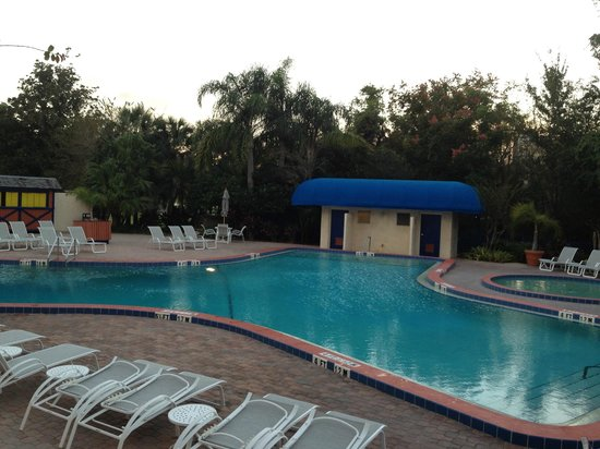 BEST WESTERN Lake Buena Vista Resort Hotel: No jacuzzi!!! How do you call yourself a resort?