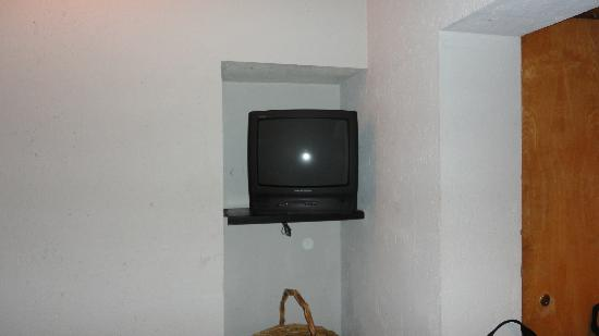 Inn at Middleton Place: TV in our room
