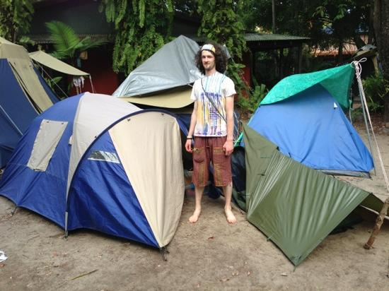 Dougies Backpackers Resort: Tent City!