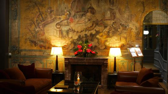 Hotel Bernini Bristol: Lobby with fresco