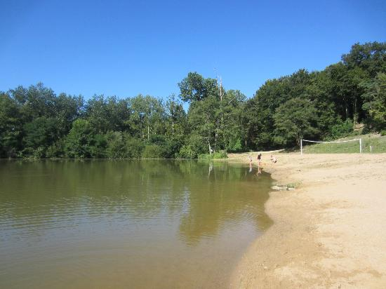 Sainte-Catherine-de-Fierbois, : Lake/beach