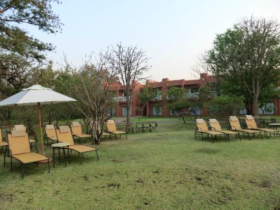 Zambezi Sun: Relax in the hotel grounds