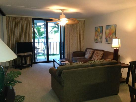 Aston Kona by the Sea: Living room