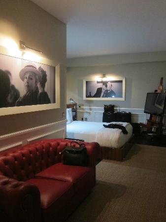 Mr. C Beverly Hills: Huge Room