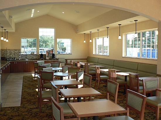 Country Inn Woodbury: Breakfast Room