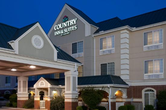 Country Inn & Suites Hot Springs: CountryInn&Suites HotSprings ExteriorNight