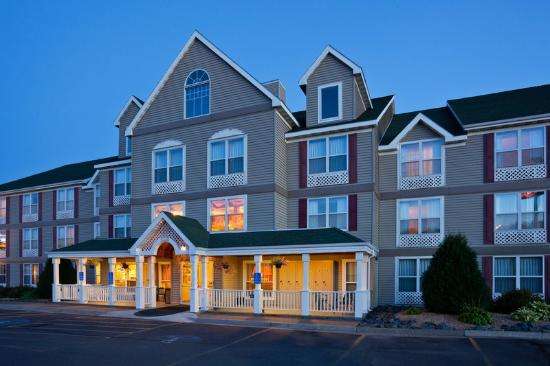 Country Inn & Suites Duluth South: CountryInn&Suites DuluthSouth  ExteriorNight