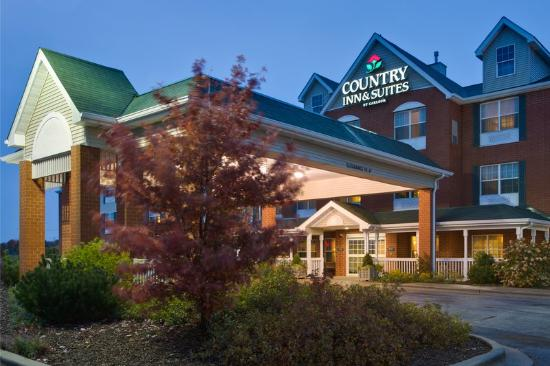 Country Inn &amp; Suites Tinley Park: CountryInn&amp;Suites TinleyPark  ExteriorNight