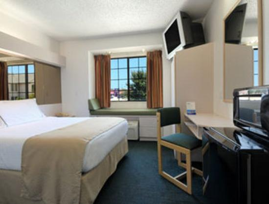 Microtel Inn by Wyndham Arlington/Dallas Area: Standard Queen Bed Room
