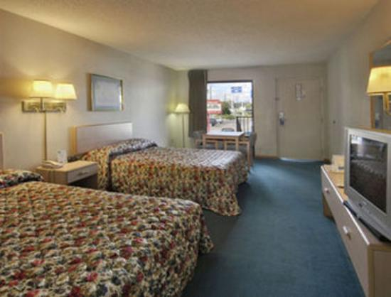 Travelodge Lake City: Standard Two Double Bed Room