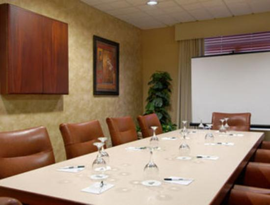 La Quinta Inn &amp; Suites Tampa North I-75: Meeting Room