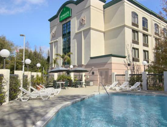La Quinta Inn &amp; Suites Tampa North I-75: Pool