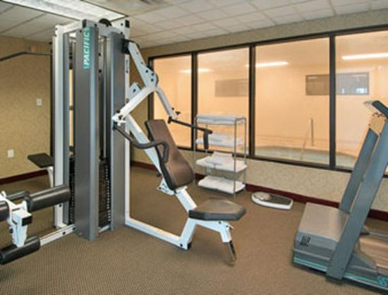 Wingate by Wyndham Biloxi / D'Iberville: Fitness Center with Whirlpool