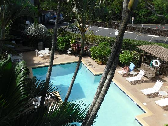 Wailua Bay View Condominiums: Pool view from 3rd floor