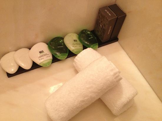 King George Palace: bathroom amenities
