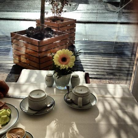 Hotel Marina Atlantico: Breakfast in the restaurant