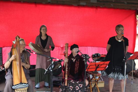 Sisters Healing Earth performing on the Nimbin Market Stage