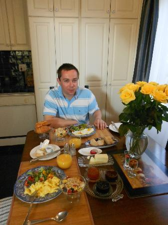 Garden Cottage B & B: breakfast