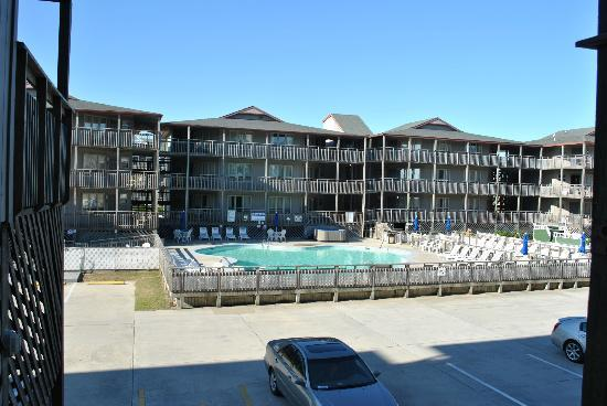 Outer Banks Beach Club: Pool area