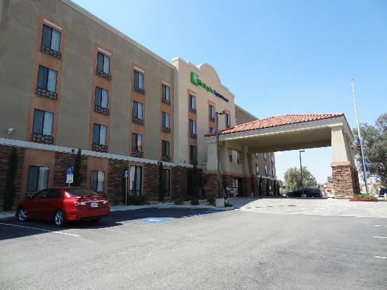 Holiday Inn Express Hotel & Suites Twentynine Palms: Außenansicht