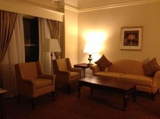 Seelbach Hilton: Room 624 Jr. King Suite Separate Living Room