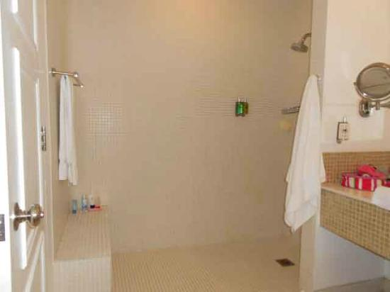 Couples Tower Isle: The overly large shower in our newly renovated room