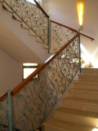 H10 Raco Del Pi: Hotel's staircase (theres a lift too)