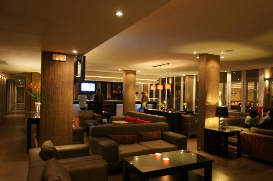 salon bar picture of hotel royal kinshasa tripadvisor. Black Bedroom Furniture Sets. Home Design Ideas