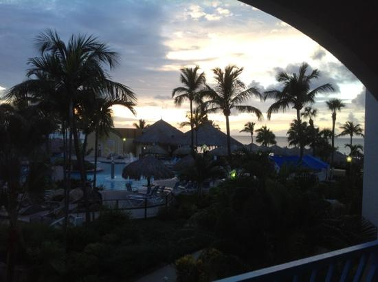 Costa Linda Beach Resort: Sunset in paradise