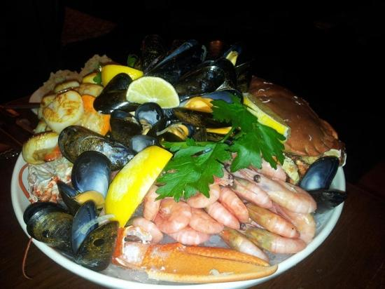 Beer, UK: the famous Seafood Platter