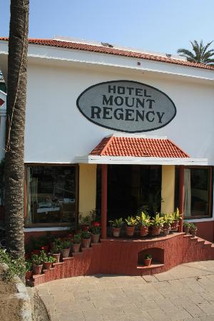 Hotel Mount Regency
