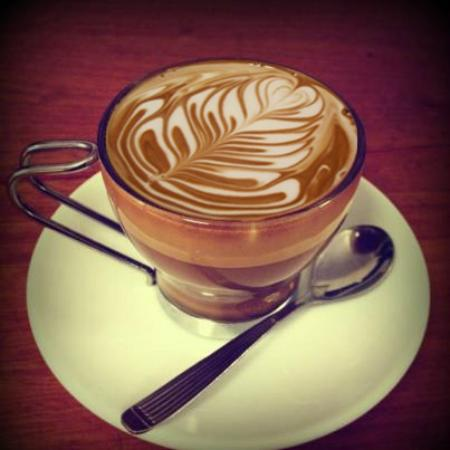 Full City Coffee House : arte latte
