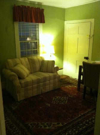 Inn at Meander Plantation: Sitting room in Fry Suite