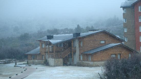 Galileo Boutique Hotel  Bariloche: vista nevando