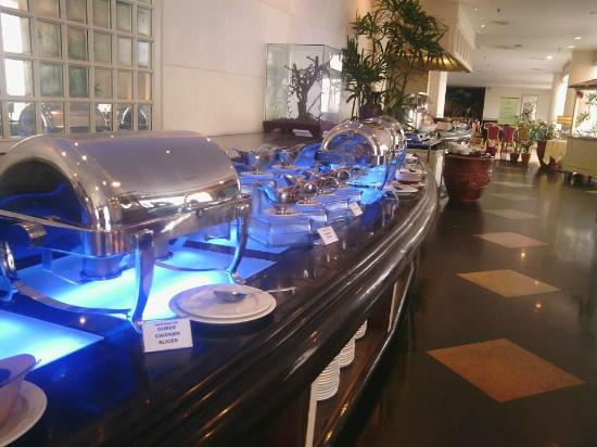 ZON Regency Hotel by the sea: Buffet Breakfast