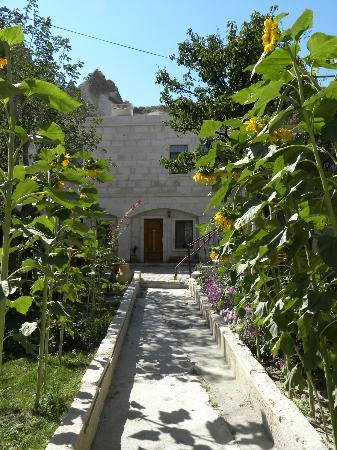 Gerdis Evi: Gardens
